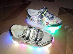 Распродажа классные LED светящиеся кроссовочки  девочекам р. 21-31