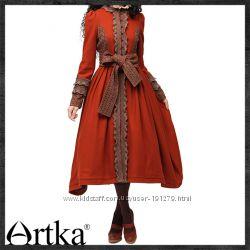 Уникальное ретро-пальто декорированное кружевом от Artka, новое, L
