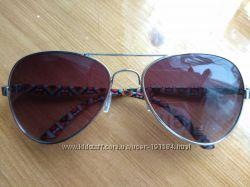 Сонцезахисні окуляри C&A