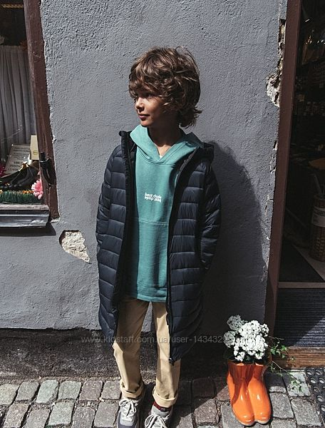 Легкая стеганая курточка Zara. Размеры на 10 и 12 лет