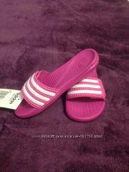 Спортивные тапочки для девочки ADIDAS размер 28