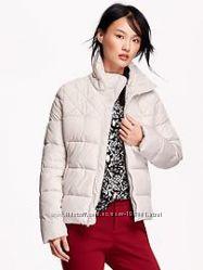 Отличная теплая куртка. Красивый серо-белый цвет.