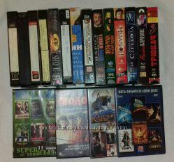 Видеокассеты, диски с фильмами
