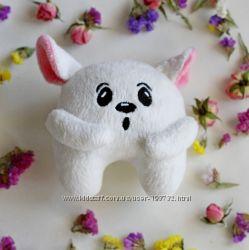 Игрушка ручной работы белый с розовыми ушками