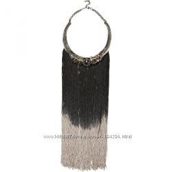 Тренд сезона-ожерелье с бахромой RIVER ISLAND и ожерелье H&M