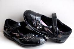 Clarks р. 9G стелька 17, 5 см. Туфли лаковые натуральная кожа. Вьетнам.