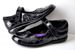 Clarks Shoefairies р. 10G стелька 18, 5 см Туфли с мигалками лаковые натура