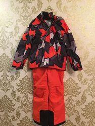Продам костюм штаны на подтяжках и куртка  в идеальном состоянии Рейма