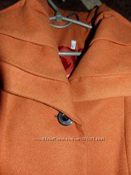 Яркое стильное пальто р. 46