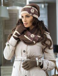 Симпатичный комплект , шапка, шарф , перчатки