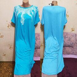 Шикарное голубое платье с белым узором