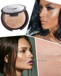Хайлайтер-пудра  BECCA Shimmering Skin Perfector Pressed