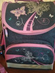 Срочно Продам школьный рюкзак для девочки