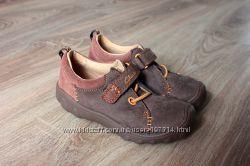 . Очень симпатичные Clarks ботиночки для Вашего малыша