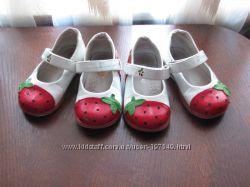 Туфельки -клубнички для блзнецов