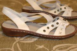 Босоножки новые кожаные размер 37