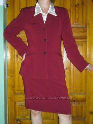 Элегантный костюм 46-48 размера