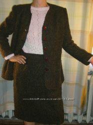 Элегантный теплый костюм из ткани букле 52-54 размера