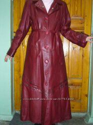 Новый длинный шикарный кожаный плащ 50-52 р-ра темно-красного цвета Турция