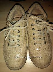 Кроссовки туфли кожа 28 размер Primigi в идеале