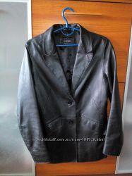 Кожанная куртка пиждак размер евро 42, натуральная кожа