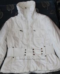 белоснежная куртка демисезонная
