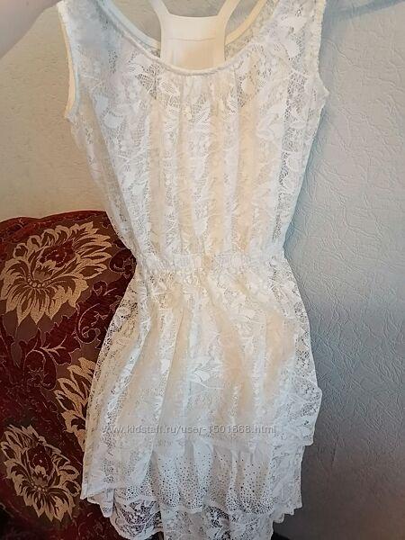 Сукня, біла з поясом