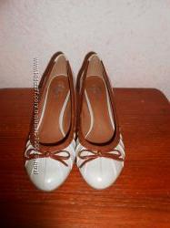 Кожаные туфли фирмы Bata