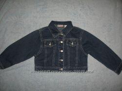 Джинсовая курточка в идеальном состоянии на 3-4 года