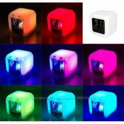 Оригинальный цифровой будильник Световой куб Китти, Спанч Боб и Энгри бердс