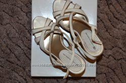 Босоножки Luciano Carvari 38 37  размер