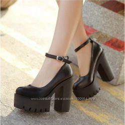 Стильные туфли с ремешком