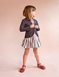 Фирменный  джинсовй  пиджаче девочке 5-6 лет