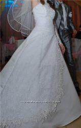 Очень красивое свадебное платье - доставка бесплатно и новая фата в подарок