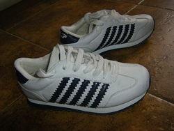 Легенькие кроссовки на лето и на осень  32-35  размер