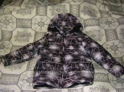 Новенькие куртки в идеальном состоянии на осень-зиму 128-140