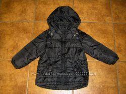 Недорого, черная демикуртка H&M, Чероки 110-116