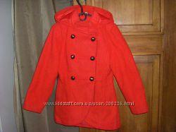 Пальто  осеннее, яркие и теплые  на  5-8 лет 104,  110-128 см