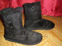 Угги, стильные сапожки-сноубутсы 31-32 и 35 размер на  девочку