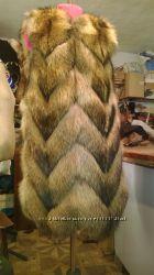 Шикарный жилет из меха енота елочкой под заказ