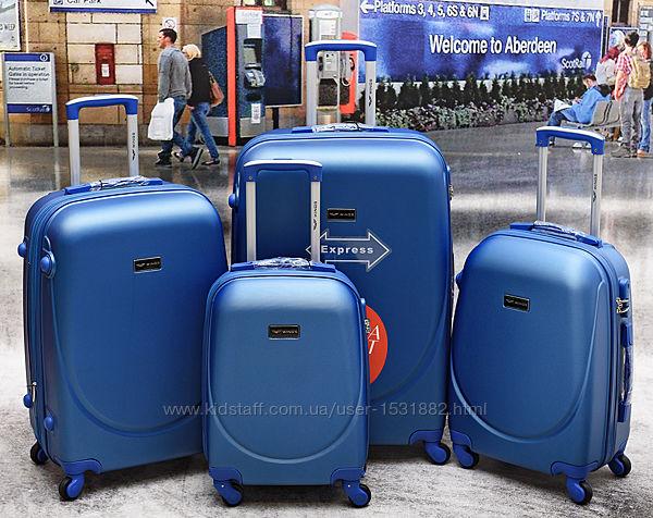 Акция чемодан, Wings k 310 польский , противоударный пластик,