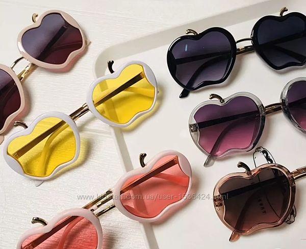 Детские солнцезащитные очки. Новые