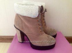 Продам новые зимние ботинки Carlo Pazolini
