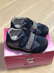 Удобные туфли мальчику, натур кожа и замш.