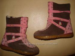 Очень качественные ботиночки на малышку, стелька 13 см