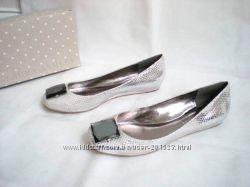 LAURA ASHLEY светло серые серебряные змеиные балетки туфли из США 37. 5, 38