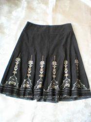 ANN TAYLOR дорогая очень красивая юбка с вышивкой - оригинал из США - р М Л