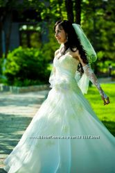 Красивое свадебное платье Цену предложите