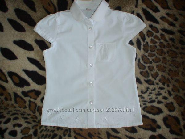 Практически новые белоснежные блузочки в школу Gordge  рост 128-134
