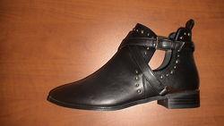Новые стильные демисезонные ботинки р.38 по стельке 24см.